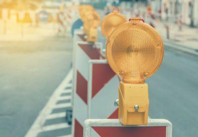 Składane barierki ostrzegawcze – specyfika i zastosowanie