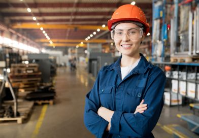 Kobieta w odzieży roboczej